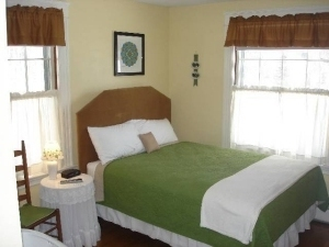 Astounding New England House Bed Breakfast Andover New Hampshire Evergreenethics Interior Chair Design Evergreenethicsorg